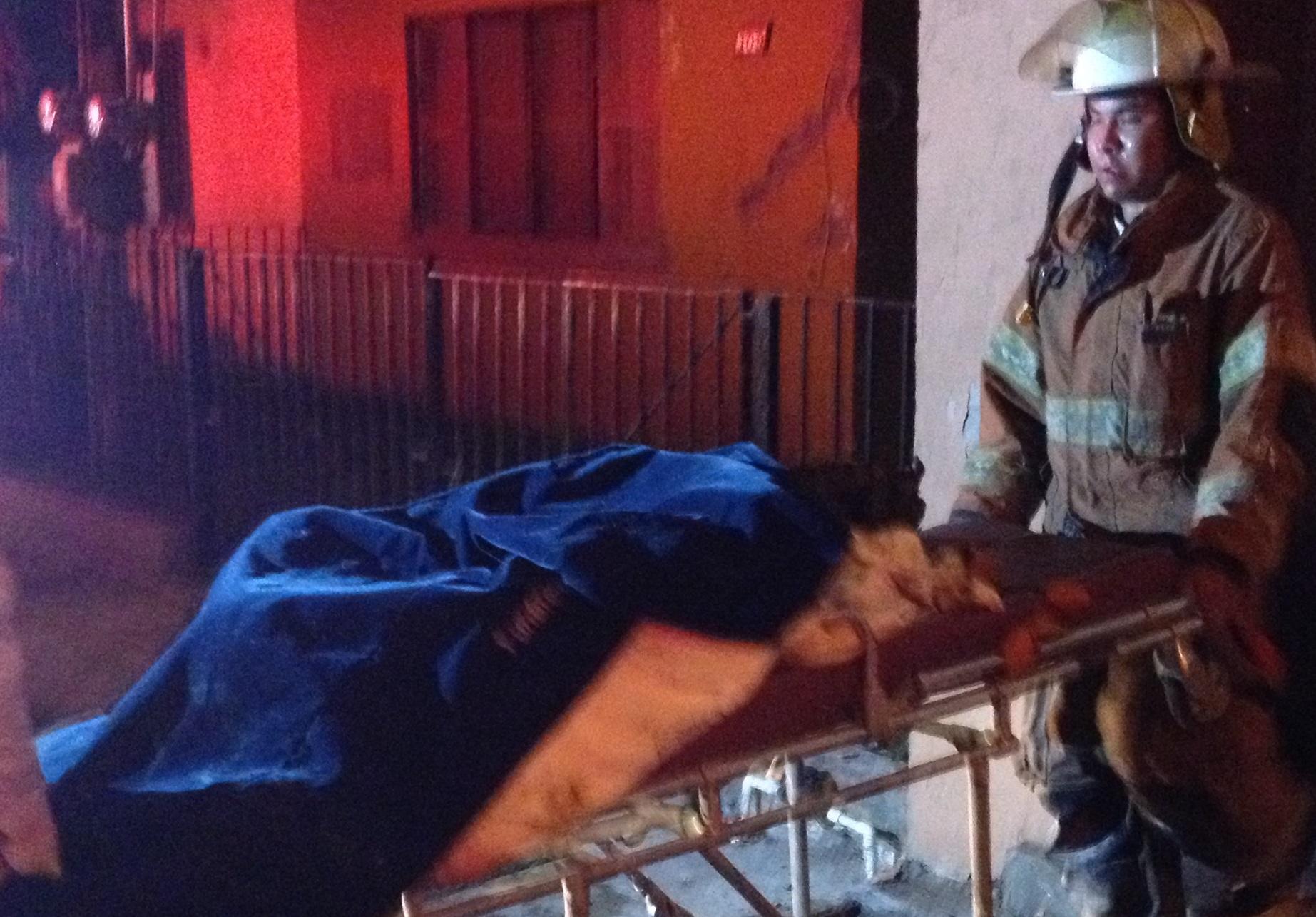 Incendio acaba con la vida de persona; investigan si fue provocado